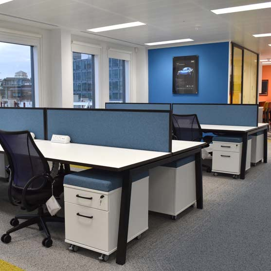 Linea Bench Desk with blue dividers