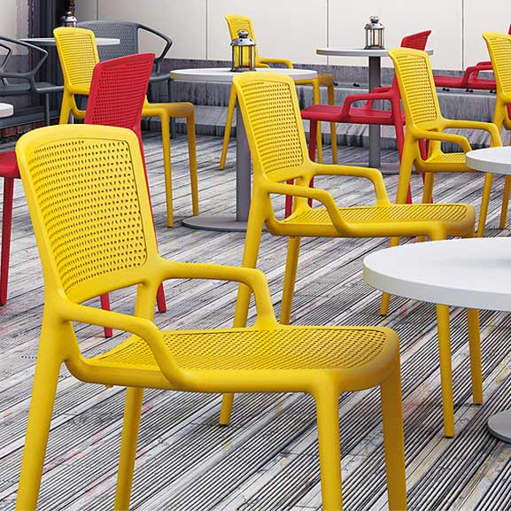 Pledge Daisy Breakout Office Chair Yellow without arms