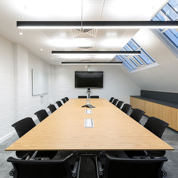 Boss deploy meeting table