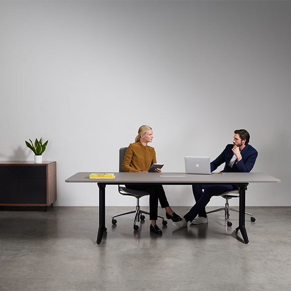 Boss indi meeting table with black frame