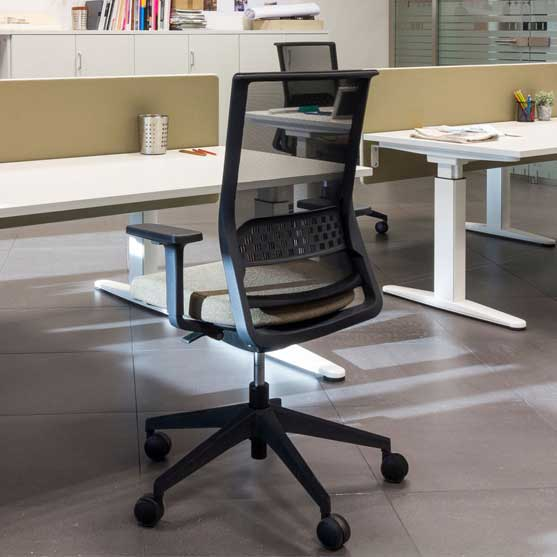 Stay Mesh Chair in an office