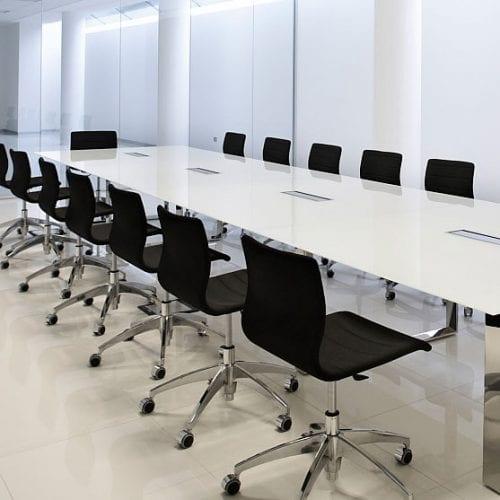 X7 Quadrifoglio Meeting Table Glass