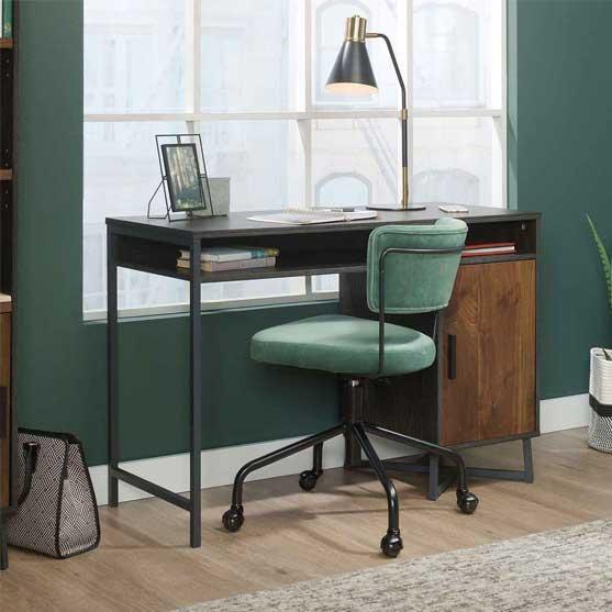 Canyon Executive Desk