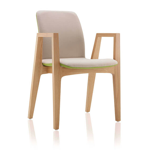 Neutral 4 leg agent chair with arms boss design