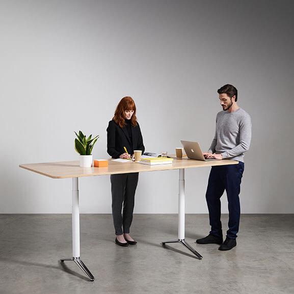 Indi Meeting boss design raised foot height adjustable