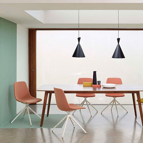 Ola Meeting Chair Boss Design