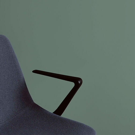 ola boss design meeting chair with arms